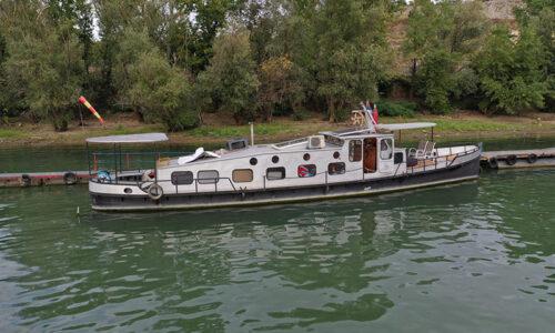 Spirit Level Boat